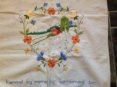 Handbroderad Paradhandduk med text på Tradera.com - Kökstextilier | Napkins, Towels, Dinner Napkins