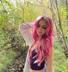Vivid Hair Color, Hair Color Pink, Pink Hair Dye, Hair Inspo, Hair Inspiration, Hot Pink Hair, Dying My Hair, Fairy Hair, Coloured Hair