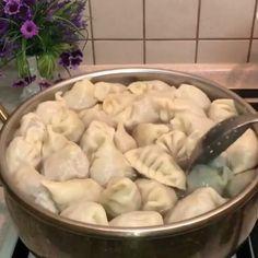 @semirayinlezzetgemisi bilgi için teşekkür ederiz 🌹Çikolatalı Pasta Tarifi🌹 Malzemeler Pandispanya için;4 yumurta (oda ısısında)-Bir çimdik… Shawarma, Chinese Food, Sushi, Main Dishes, Easy Meals, Yummy Food, Asian, Meat, Chicken