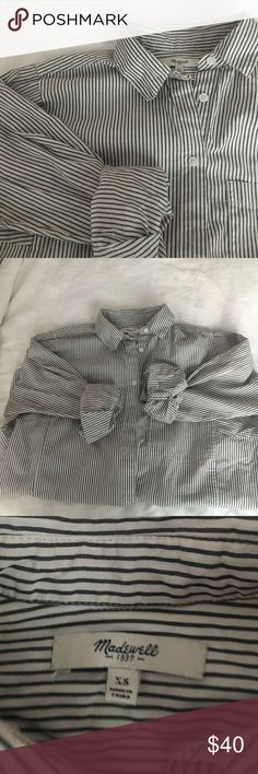Madewell Oversized Striped Button Down Soft, perfectly worn-in oversized cotton button down by Madewell, size XS. One of my favorites. Madewell Tops Button Down Shirts