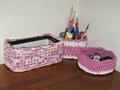 Conjunto de Cestos em Trapilho, usando a técnica do Croché. Arrumação. Artesanato e Reciclagem.