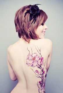 back flower tattoo! Love everything about this!!