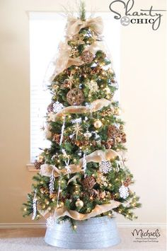 Burlap and Gold Christmas Tree by @Shanti Leeuwen Yell-2-Chic.com #JustAddMichaels