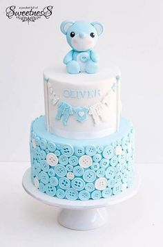 Looking for ideas for baby shower cakes? Check out these 10 Gorgeous Baby Shower Cakes for boys, girls, twins, gender reveals, and gender neutral baby showers. Teddy Bear Baby Shower, Baby Shower Cakes For Boys, Baby Shower Cupcakes, Baby Boy Shower, Baby Cakes, Cake For Baby, Pink Cakes, Baby Shower Kuchen, Christening Cake Boy