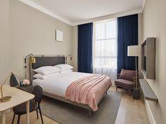 Sans afféteries mais piqué de belles fantaisies, cet hôtel conçu par une équipe nordique s'envisage comme un pont esthétique entre Copenhague et Manhattan. Une chambre du 11 Howard à New York.