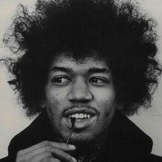 Jimi Hendrix: I'm the one that's got to die when it's time for me to die so let me live my life the way I want to. #JimiHendrix #life #death #HumanNote
