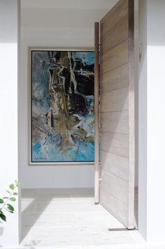 Solid plank blackout with a grey wash - via Justine Hughes Jones Entrance Foyer, Entry Hallway, Entrance Design, Entry Doors, Door Design, Front Doors, Door Entryway, Room Interior Design, Interior And Exterior