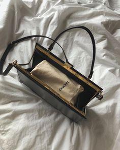 World Of Fashion, Fashion Brands, Fashion Accessories, Fashion Women, Women Accessories, Dior, Little Bag, Thing 1, Elegant Outfit