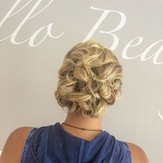 What a beautiful updo on @mscrystalt by BLO/OUT stylist Jessica!  #BLOOUT #blowdrybar #blowdry #blowout #updo #weddinghair #formalhair #phillyhair #PHILLYSALON #fb #twitter