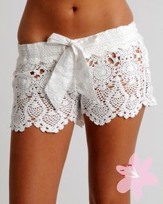 adore these crochet shorts!