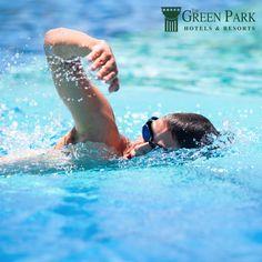 Haftanın ilk iş günü hep stresli geçer. The Green Park Pendik Hotel & Convention Center'a gelin, Fitness Center'da bulunan kapalı havuzda yüzerken stresinizi atın.