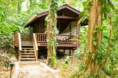 Welcome to this magnificent luxury Eco-lodge in the secluded Honduran rain forest. The Lodge at Pico Bonito has private forest trails and a butterfly farm. Hut House, Tiny House, Honduras, Small Beach Cottages, Bamboo Architecture, Bamboo House, Small Luxury Hotels, Small Buildings, Beach Shack