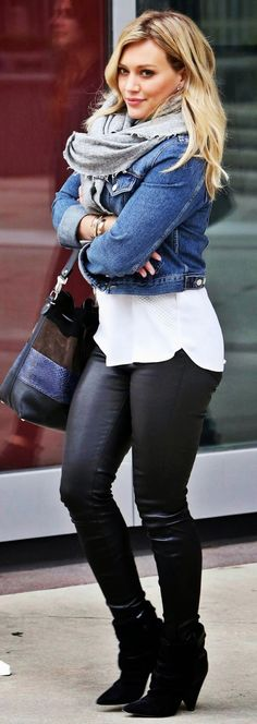 I love Hillary Duff's simple yet fashionable style. Pleather leggings, cute pumps and a jean jacket.