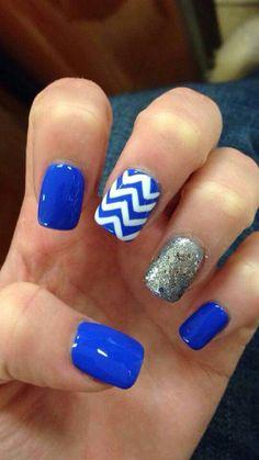 Royal blue & Gray & white nails