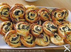 Blätterteig - Spinat - Schnecken, ein leckeres Rezept aus der Kategorie Fingerfood. Bewertungen: 168. Durchschnitt: Ø 4,3.
