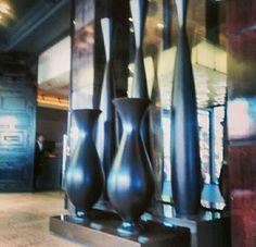#talla#ornamento#ornamentacion#vintage#decoracionvintage#deco#decoretro#decoracionretro#decoraciondelocales#localescomerciales#localestematicos#tematicworld#mundotematico#tematicwork#overstone#badalona#tallerBDN#escultura#escultor#diseño#diseñodelocales#duseñorestaurantes#diseñodeespacios#decoracionhoteles#hoteles#jarrones#jarronesderesina#