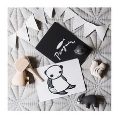 A gorgeous flat lay from the insanely talented @jessicahansonstylist to end a fun filled Saturday.  So much goodness in one photo  you can find a few of these goodies at | http://ift.tt/1zeZuki | Happy Saturday night peeps  #polepoleanimals #tlab #luciekaas #hubbleandduke #jessicahansonstyling #camcam #camcam_cph #flatlay #growingfootprints #woodentoys #woodenanimals by growingfootprints