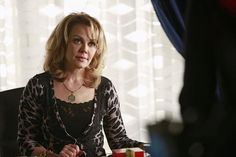 Gail O' Grady as Margo Cowan in Castle Season Episode 14 Gail O'grady, Joe Mantegna, Castle Season, Civil Rights Activists, One Year Old, Street Photo, Criminal Minds, Hollywood Stars, Actors & Actresses