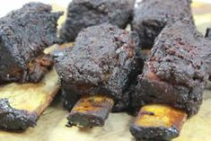 How to prepare and smoke beef short ribs in the smoker with pictures and complete step by step details Smoked Beef Short Ribs, Bbq Short Ribs, Bbq Beef, Beef Ribs, Barbecue Ribs, Pulled Pork Recipes, Rib Recipes, Oven Recipes, Pellet Grill Recipes