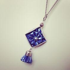 Le chouchou de ma boutique https://www.etsy.com/fr/listing/508585655/sautoir-bleu