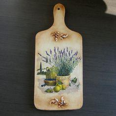 decoupage -----  cutting board------------- deska do krojenia -------  blog_babskie_uroczysko_decoupage_deseczka_lawenda_1.jpg (500×500)