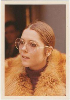 bb4a30708d3b Sunglasses styling 1970s Sunglasses