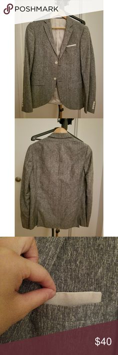 TOPMAN Grey blazer/suit Very gently used and cared. In perfect condition. Pocket square can be removed. Size US 36. Topman Suits & Blazers Suits
