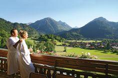 Blick (von jedem Zimmer) in die Allgäuer Alpen.