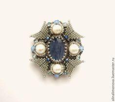 Купить Брошь-орден с кианитом - серебряный, голубой, стальной, жемчужный, брошь с кианитом, брошь с камнем