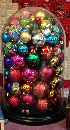 Glass dome full of baubles! Bell Jars, The Bell Jar, Glass Christmas Ornaments, Glass Domes, Ornament Wreath, Cheer, Arts And Crafts, Crafting, Xmas