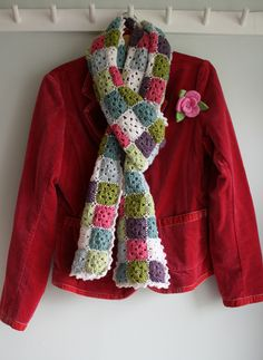 Coco Rose Diaries - Crochet granny squares scarf