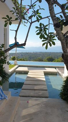 Villa Discover Pool with a view to die for Welcome to paradise come inside and enjoy the view. your private villa is waiting for you - because you deserve it. Design Villa Moderne, Modern Villa Design, Aesthetic Photography Nature, Beautiful Places To Travel, Dream Home Design, Garden Pool, Cool Landscapes, Travel Aesthetic, Pool Designs