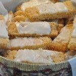 Småkagedåsen fyldes med : sprøde fedtebrød med romglasur