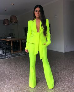 dressy outfits plus size Neon Outfits, Mode Outfits, Classy Outfits, Chic Outfits, Fashion Outfits, Fashion Pants, Fashion Mode, Look Fashion, Daily Fashion