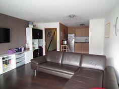Wieder eine schöne Wohnung erfolgreich vermittelt!!! Durch den Link sehen Sie unsere aktuellen Wohnungsangebote. Sofa, Couch, Link, Furniture, Home Decor, Condominium, Real Estate Agents, Nice Apartments, House