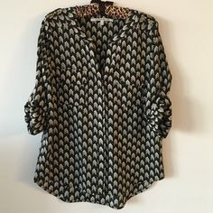 Black and white blouse Worn once Tops Blouses