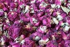 Dried rose buds and petals with a sweet subtle fragrance and burgundy colour daisyshop.co.uk