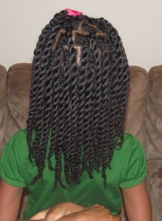 Hair Twists/Rope Twists on Natural Hair (Without Hair Bands) - i think this may be the cure to my frizzy twistouts
