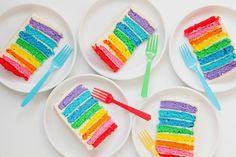 Rainbow Cake สารพัดเค้กสีรุ้ง สีสันสดใส อร่อย น่าทาน