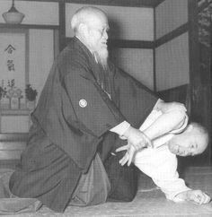 Aikido+Osensei+Oeyashi+Moreiba1.jpg 1,196×1,229 pixels