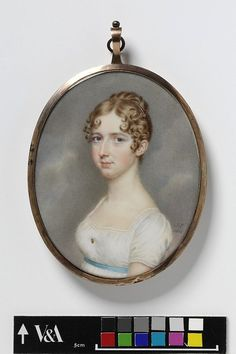 Miss E. Anderson, 1810 by  John Smart. [Off-center front part. Front hair in distinct curls, short ones inward and others all over, some framing the face and some over the ears. Back hair appears looped up slightly. Small flat comb visible on the left in front of the back hair.]