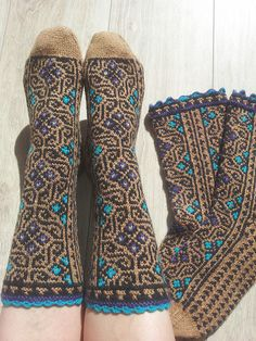 Ravelry: -HandKnit-'s Socks Labyrinthine Crochet Socks, Knitted Slippers, Wool Socks, My Socks, Knit Mittens, Knit Or Crochet, Knitting Socks, Hand Knitting, Knitting Patterns