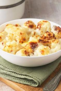 Cauliflower baked with cheese - Recipes - bildderfrau.de - Cauliflower baked with cheese – Recipes – bildderfrau. Ways To Cook Cauliflower, Cheesy Cauliflower, Cauliflower Recipes, Roasted Cauliflower, Cooking Cauliflower, Cheese Recipes, Low Carb Recipes, Cooking Recipes, Healthy Recipes