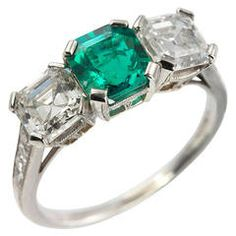 Tiffany & Co. Three-Stone Emerald Diamond Platinum Ring circa 1920s