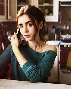 Re-reading the mortal instruments + re watching movie! •••••••••••••••••••••••••••••• #lilycollins @lilyjcollins http://misstagram.com/ipost/1564929056913476944/?code=BW3vq-YA81Q