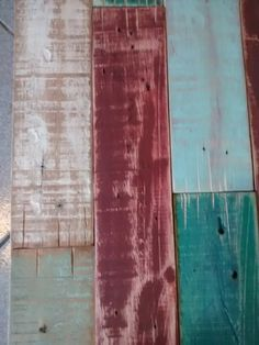 Respaldo De Cama En Madera Reciclada Pallet Patinado Vintage - $ 2.100,00 Painting, Vintage Roller Skates, Wooden Beds, Diy Furniture, Recycled Wood, Home Furniture, Headboards, Painting Art, Paintings