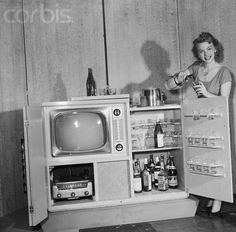 bigcheese327:  theniftyfifties:  Combination Television Radio and Cocktail Set (Chicago, Illinois), 1951.  The Tele-Bar is a combination of ...