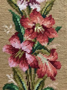 Vintage Needlepoint Pillow Gold Background, Beautiful Floral Motif, 22 x 11 Canvas Size Cross Stitch Rose, Cross Stitch Flowers, Cross Stitch Charts, Cross Stitch Patterns, Hand Embroidery Projects, Wool Embroidery, Embroidery Patterns, Crochet Stitches Patterns, Crochet Patterns Amigurumi