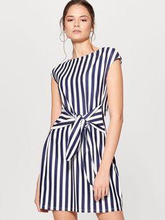 Frock Design, Ladies Dress Design, Pretty Dresses, Dresses For Work, Striped Dress, Frocks, Designer Dresses, Nice, Fashion