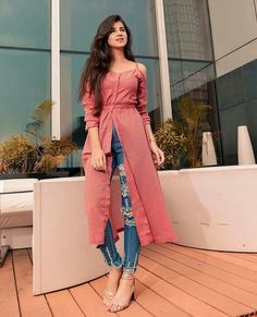 Kurti With Jeans Party Wear Indian Dresses, Designer Party Wear Dresses, Kurti Designs Party Wear, Dress Indian Style, Indian Fashion Dresses, Indian Designer Outfits, Girls Fashion Clothes, Fashion Outfits, Dress Outfits